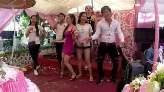 Nhửng Lời Dối Gian / Kim Ngọc Xuan Le và nhóm bạn