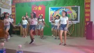 Nhảy múa ánh trăng tuổi thơ Tiểu Học Đồng Nơ
