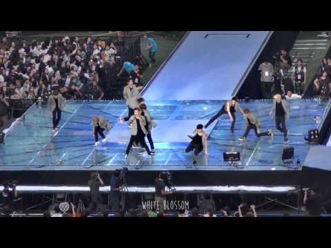 140815 SMTOWN Concert - 으르렁 Growl (EXO)