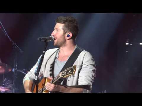Brett Eldredge-Mean to Me-Bloomington,IL