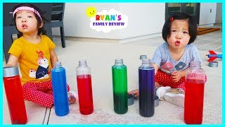 Emma and Kate Learn Colors with Elmo Fizzers Surprise Toys!!