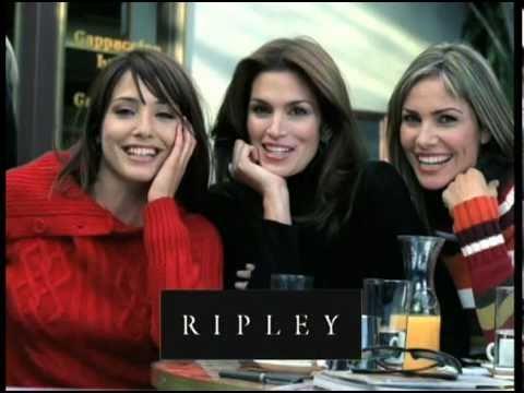 Cindy Crawford, María Elena Swett & Almendra Gomelsky, Sweaters at Ripley