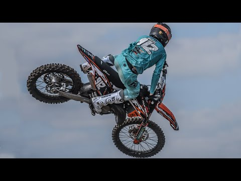 This Is Why Dirt Bike Racing Is Awesome! Epic 2 Stroke vs 4 Stroke Battle!