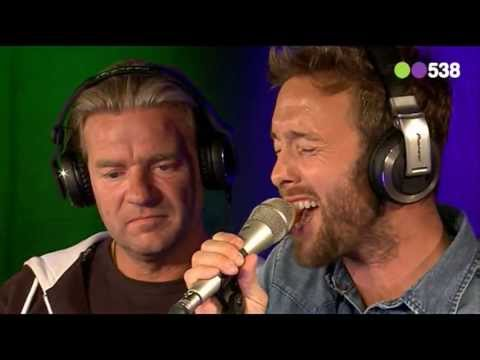 Baixar Charly Luske ft. Ali B & Brownie Dutch - Blurred Lines (live bij de Top 538)