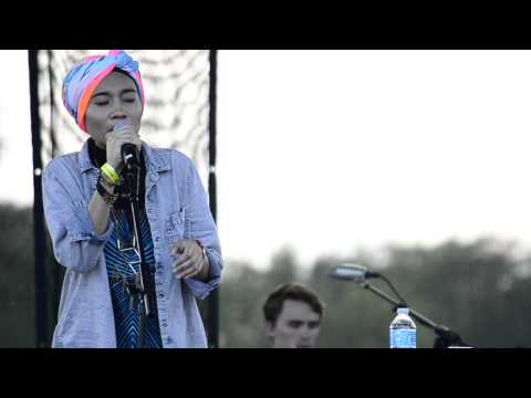 Yuna- Right Again live at streets Chicago 2013