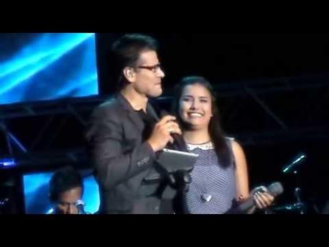 Cerca como el habla Y Quiero volver - Jesus Adrian Romero y su hija Melissa Romero.