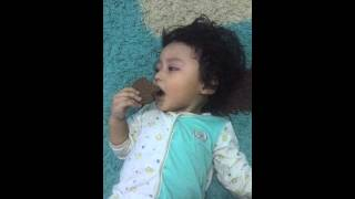 Baby Nayn: cookies vs sleep