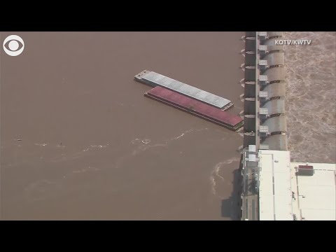 Barges on Arkansas River hit lock and dam in Oklahoma
