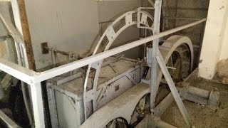 Exploring a hospital and detailed look at a Paternoster