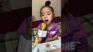 PHƯƠNG VY_Bé 5 tuổi hát MẸ YÊU ƠI cực yêu
