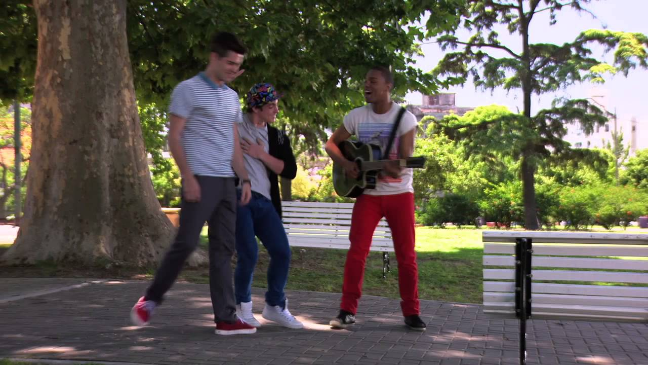 Violetta: Broduey Y Los Chicos Cantan ¨Te Fazer Feliz¨ (Temp 2 Ep 41) - Smashpipe Entertainment Video