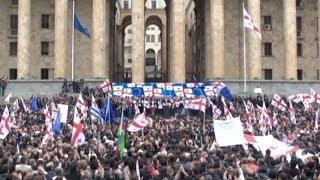 Шипы и розы грузинской революции