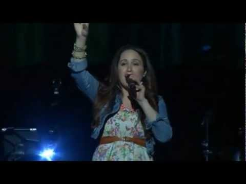 Baixar Britt Nicole - Your Love Never Fails (Live)