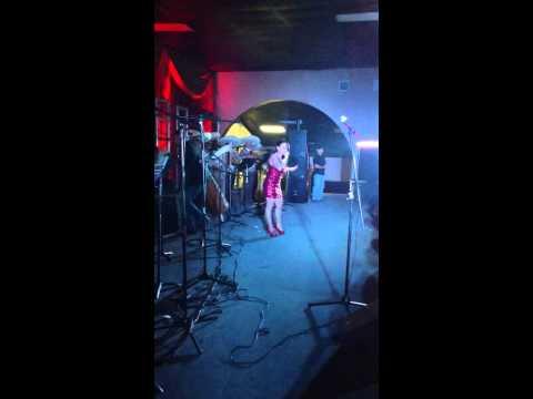 BA Solis - Le canta a su papa