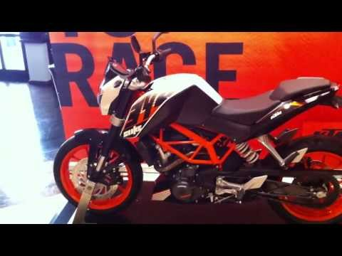 2013 KTM 390 Duke walkaround by OVERDRIVE