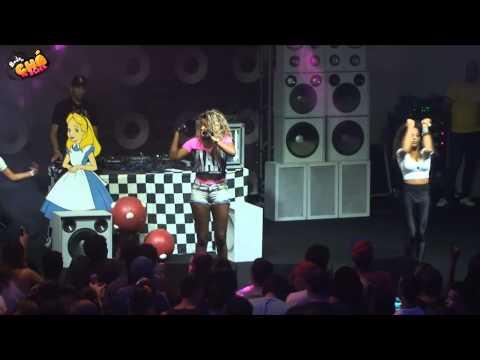 Baixar MC Beyoncé - Garota Recalcada (Ao Vivo) @ Baile do Chá da Alice - Pheeno TV