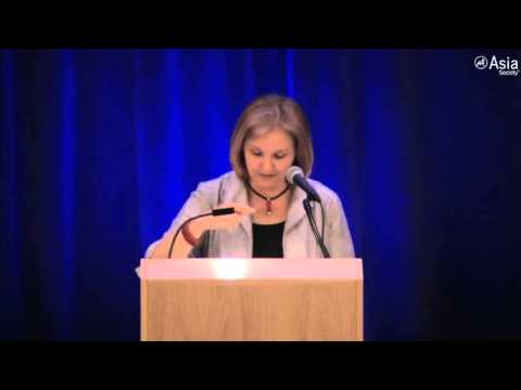 Josette Sheeran: Shaping Students into Global Leaders - YouTube