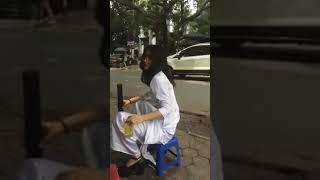 Nữ sinh mặc áo dài rít thuốc lào căng đét