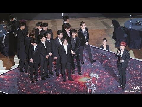 171115 EXO & 슈퍼주니어 가수 페뷸러스 상 수상 4K 직캠 @아시아 아티스트 어워즈 (AAA) 4K Fancam by -wA-