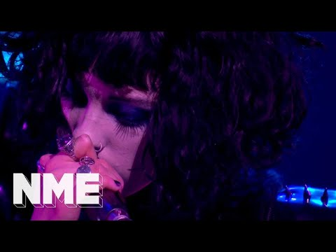 Pale Waves play 'There's A Honey' live | VO5 NME Awards 2018