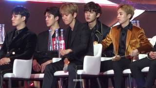 170114 Baekhyun's reactions to other performances on Golden Disk Awards