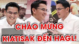 Toàn cảnh màn ra mắt chính thức của HLV Kiatisak trước NHM bóng đá Việt Nam | NEXT SPORTS