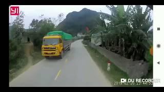Vụ Tự tử đâm đầu xe Container