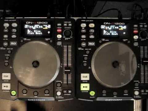 2 x Denon DN-S1200 controller met Virtual DJ