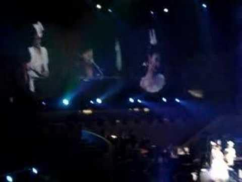 S.H.E香港演唱會 S.H.E+嘉賓周杰倫 - 熱帶雨林