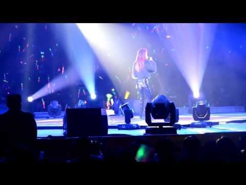 [FanCam] 20131201 李玟 - 能不能 Live (徐州聖羅蘭之夜群星演唱會)