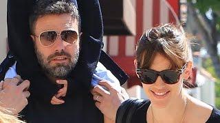 PREMIUM EXCLUSIVE - Ben Affleck And Jennifer Garner Dispel Divorce Rumors With Ice Cream Run