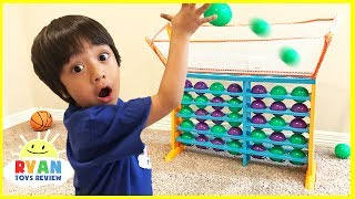 BALL TOSS Connect 4 Family Fun Game Night parent vs kid! Eggs Surprise Toys For Kids