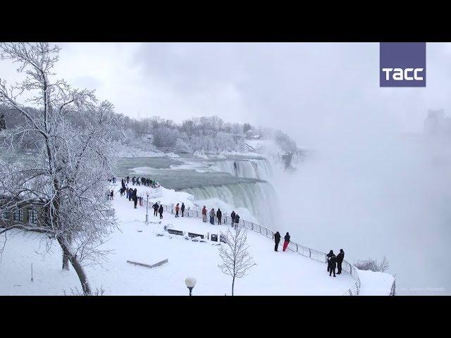 Ниагарский водопад превратился в ледяное царство