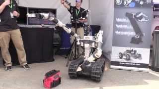 Highly Dexterous Robotic Manipulation RE2 System demo @ 2015 DARPA Tech Expo
