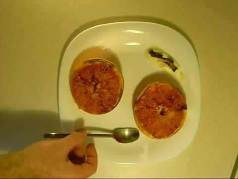 Jak zrobić szybkie śniadanie - pieczony grejpfut