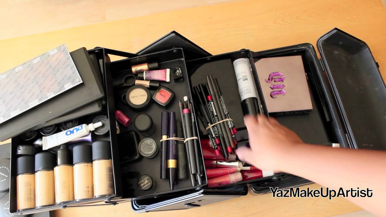 What's In My Professional Makeup Kit/Traincase For ...