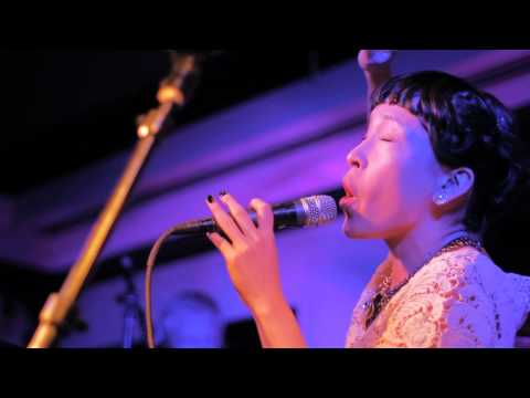 Little Dragon - Blinking Pigs (Live at The Pagoda)