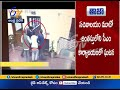 Chilli Powder Thrown at Arvind Kejriwal