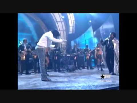 Michael Jackson and James Brown - look at this!, Michael took lots of impressions from James Brown and loved him dearly. Here they are together on stage :)