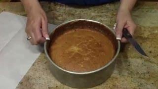 How to Bake A Banana Cake / Cake Decorating