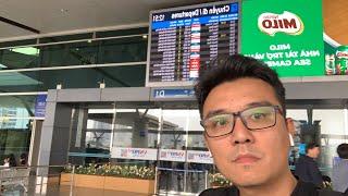 U.22 Việt Nam và thầy Park đến sân bay, qua Phillippines