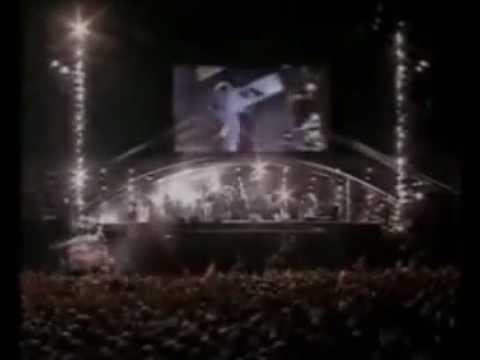 Genesis Tonight, Tonight, Tonight / Invisible Touch (Knebworth 1992)