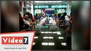 محافظ القليوبية لشباب تسلموا سيارات الطعام المتنقلة:quotعاوز العربية ...