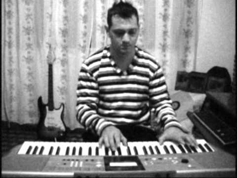 corre jesse y joy.... piano