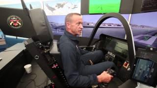 F-35 test pilot interview - betjenes med Siri og iPad teknologi