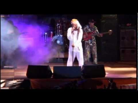 Baixar Lucky Dube - House of Exile (live in Uganda 2003)