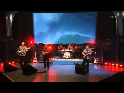 The VeNtuReS  ~Walk Don't Run Medley~    (50th Anniversary - LIVE 2009!)