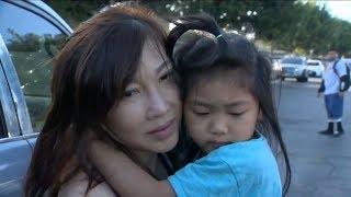 Bà Việt Nam đến tiệm nail gặp chồng, để 2 cháu gái trong xe, bị cướp lái đi