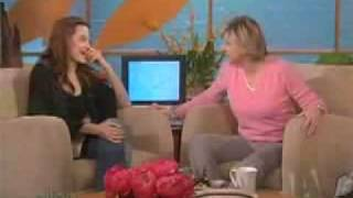 Angelina Jolie at The Ellen Degeneres Show for Alexander - 2004