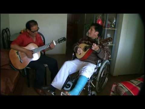 MUSICA  CERREÑA -  CHATO GRADOS Y HERALDO DE LOS ANDES - DOS BESOS